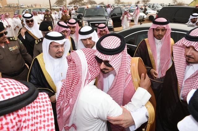 """أمير عسير لأسرة """"الشواطي"""": ابنكم شهيد الدين والوطن - المواطن"""