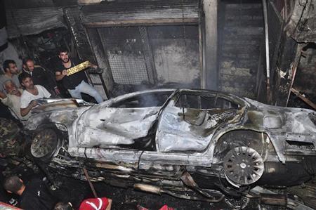 عشرات القتلى والجرحى بانفجار سيارة قرب مسجد بدمشق