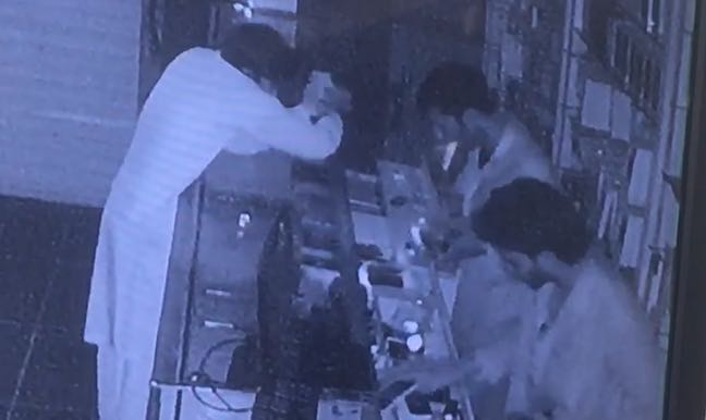 عصابة سرقة محلات بريدة (4)