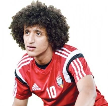 عمر عبدالرحمن عموري صانع لعب منتخب الإمارات