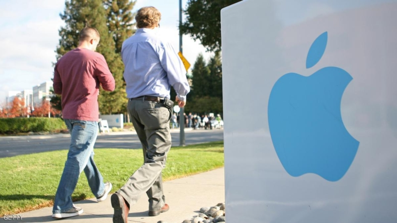 Apple employees walk towards the Apple Headquarters to attend Apple co-founder Steve Jobs' memorial service in Cupertino, California, on October 19, 2011. Apple stores across the country shut their doors for a few hours on Wednesday to allow its employees to participate in a staff celebration of the life of Jobs.   AFP Photo/Kimihiro Hoshino (Photo credit should read KIMIHIRO HOSHINO/AFP/Getty Images)