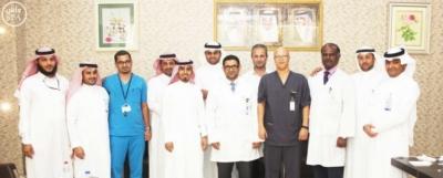 عملية جراحية في مستشفى  الملك فهد بجازان