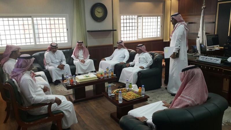 عمل #الرياض يُسلم 24 ترخيصاً لمكاتب استقدام عمالة منزلية (1)