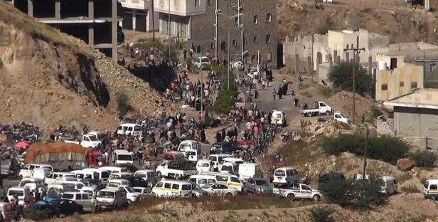 غارات على تجمعات للمتمردين الحوثيين