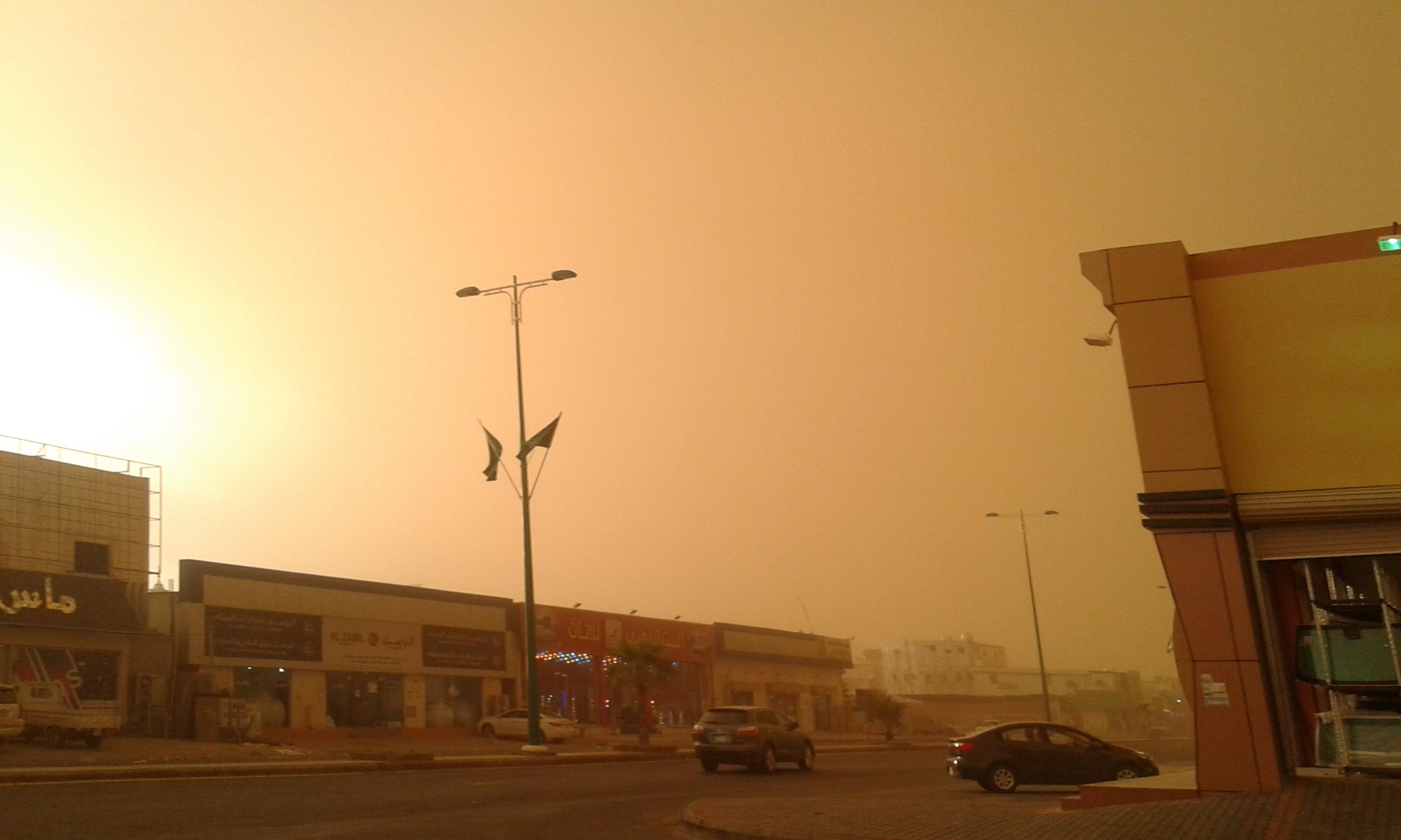 غبار وأمطار على جازان وتبوك حتى هذا الموعد - المواطن
