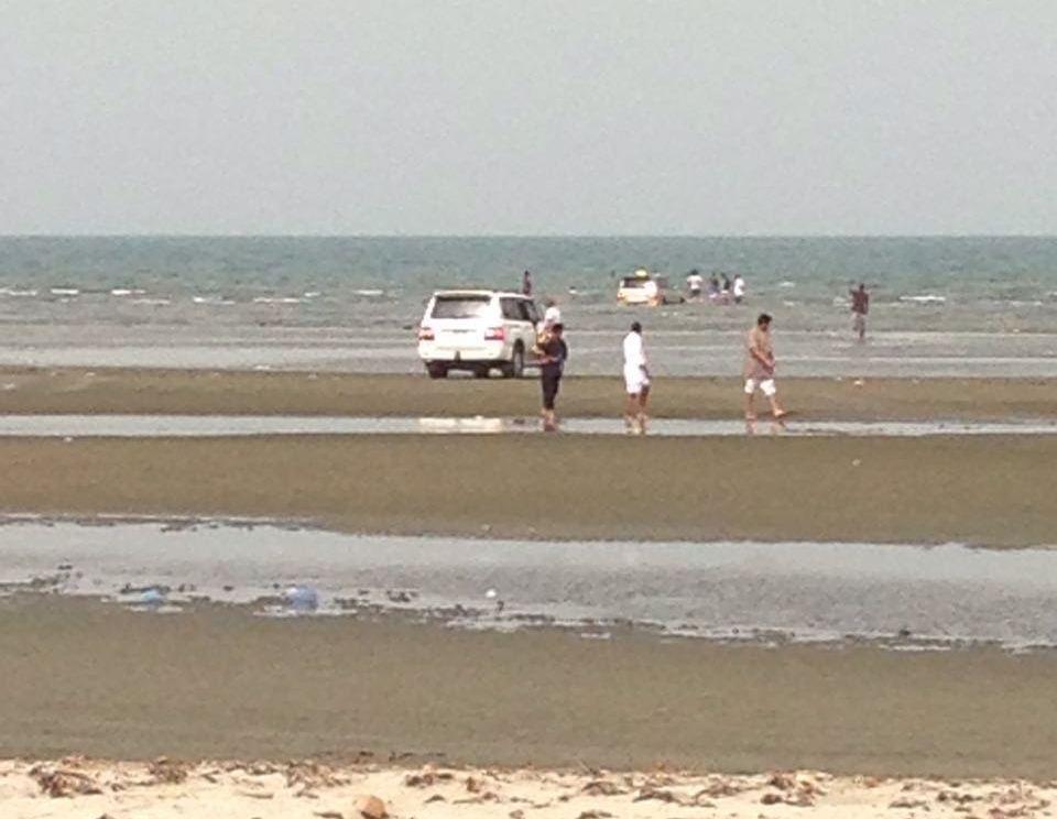 غرق مركبة بداخل البحر في سهي صامطة (9)