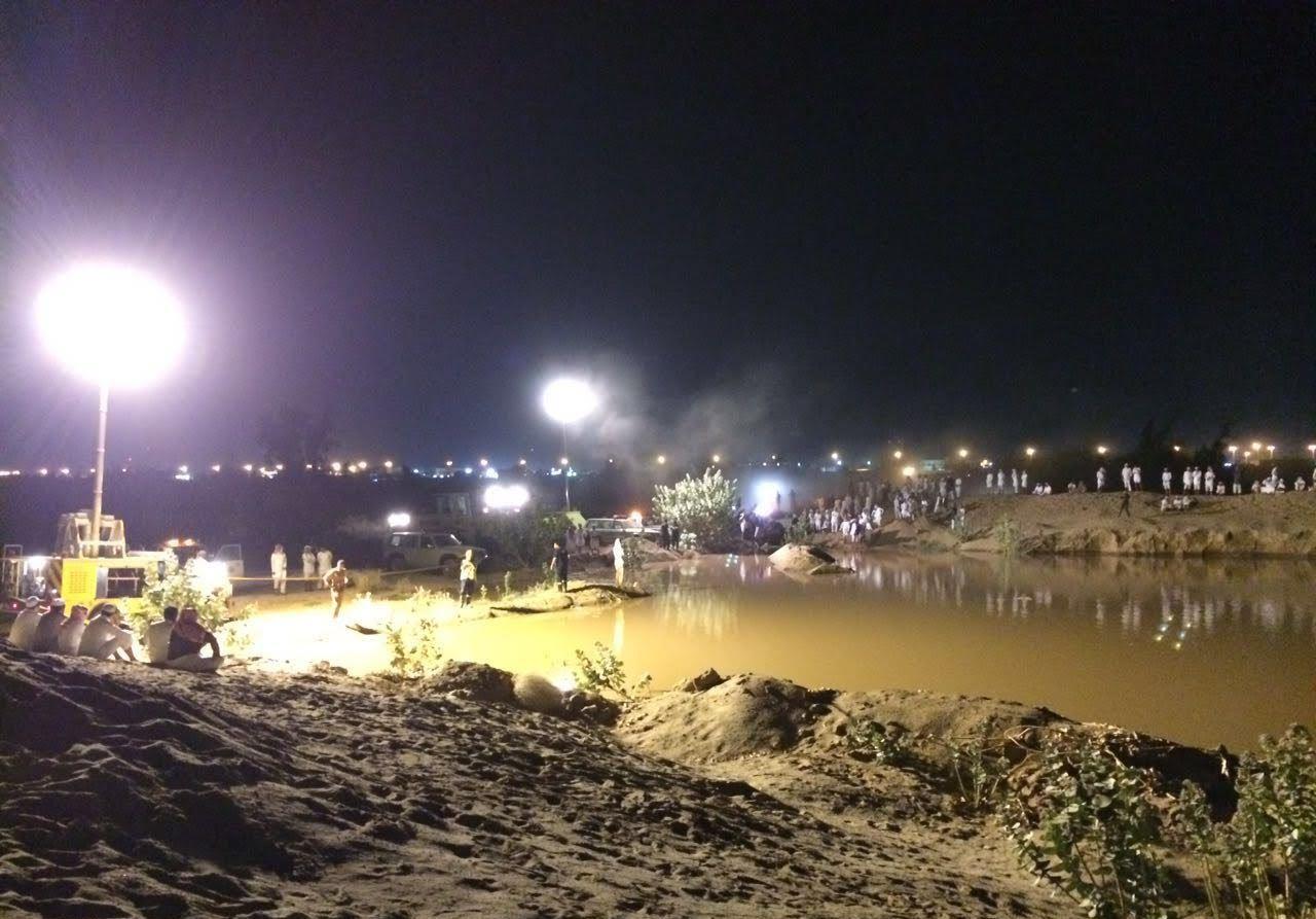 غواصوا مدني نجران يعثرون على جثة الشاب المفقود داخل حفرة ميا (1)