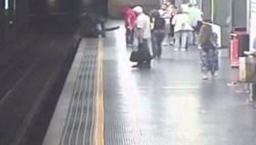 فتاة-تحاول-الانتحار-بمحطة-قطار