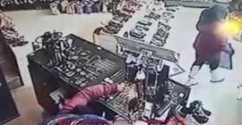 شاهد.. لحظة سرقة فتاة لحقيبة بحيلةٍ ماكرة - المواطن