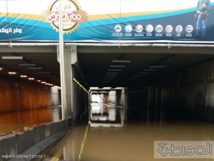 فتح نفق الغروي بعد اغلاقه بسبب الامطار بـ خميس مشيط (6)