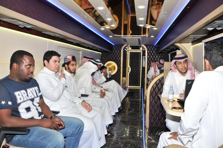 فرع متنقل لخدمة الباحثين عن عمل بقطاع الاتصالات في الرياض