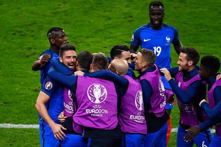 فرنسا تفوز على رومانيا (1)