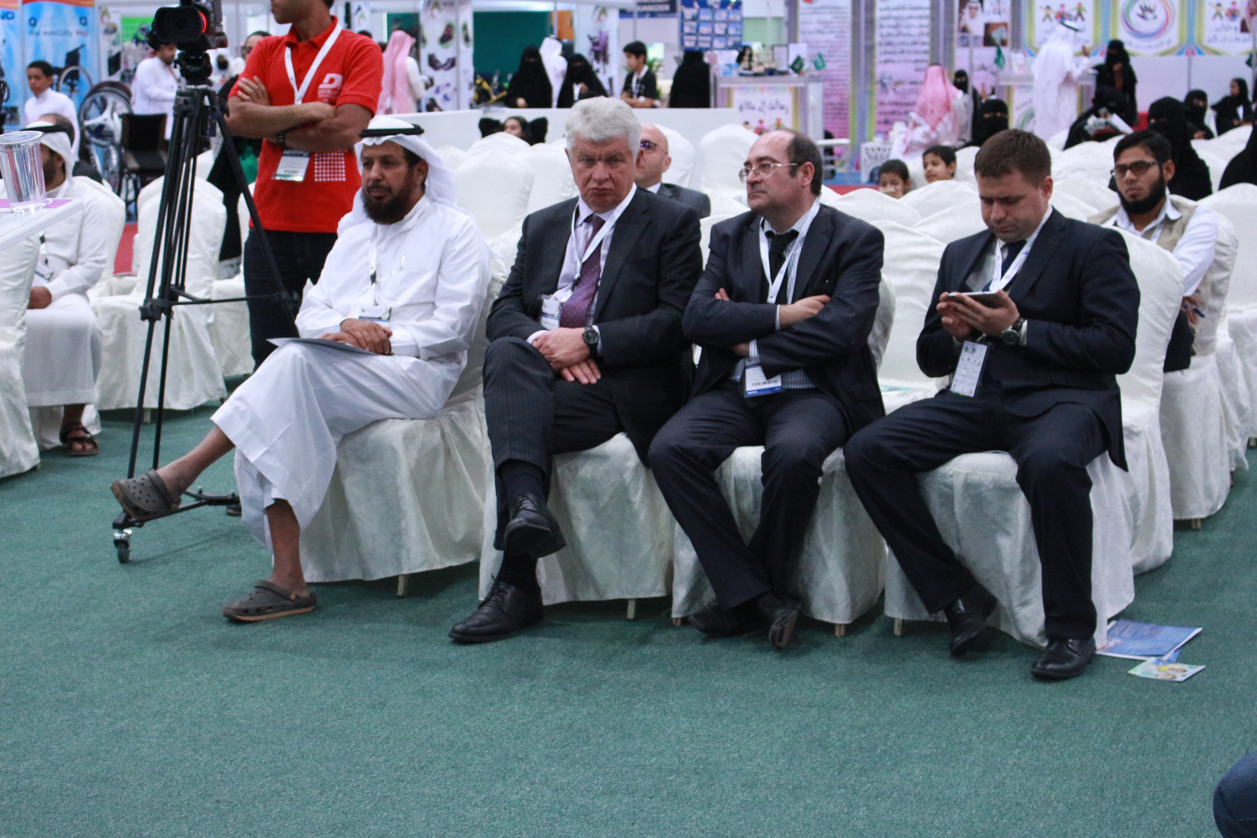 فعاليات المعرض السعودي الدولي الثالث لمستلزمات الاشخاص ذوي الاعاقة ضياء (2)