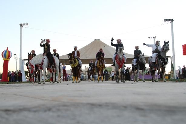 فعاليات كرنفال الجوف في مهرجان الزيتون (8)