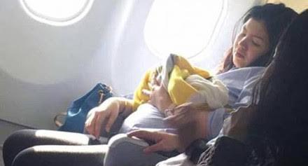 فلبينية تلد على متن طائرة