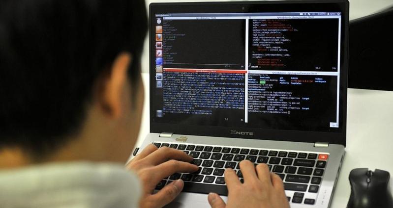 """فيروس جديد لـ""""خطف"""" ملفات الكمبيوتر وطلب فدية"""
