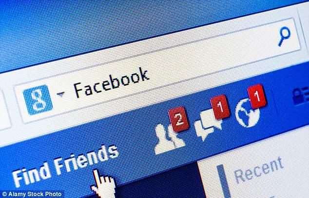 لهذا السبب يراقب فيسبوك حسابك