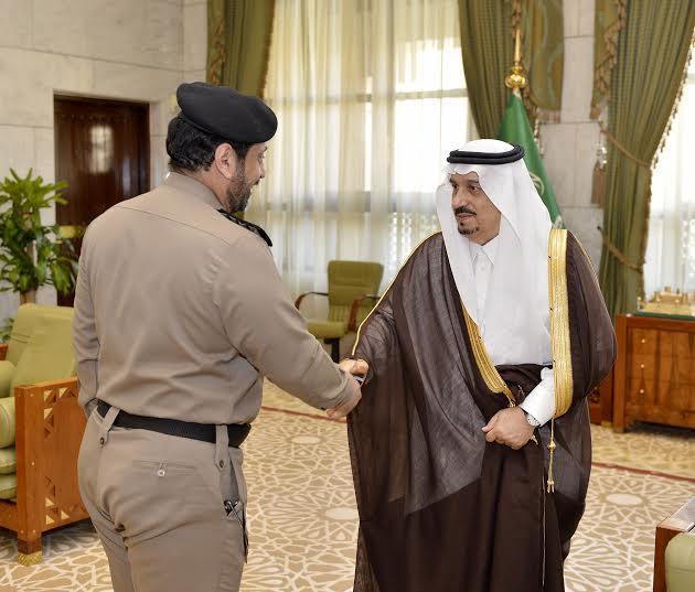 فيصل بن بندر يستقبل مدير سجون الرياض الجديد