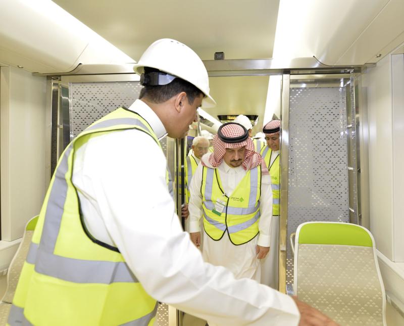 فيصل بن بندر يعلن اكتمال 36 % من قطار الرياض والإنتهاء بعد عامين (1)