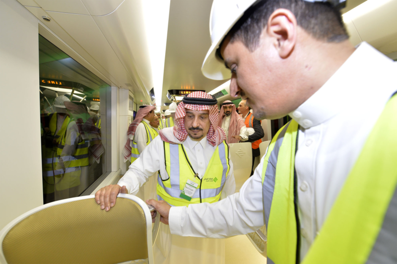 فيصل بن بندر يعلن اكتمال 36 % من قطار الرياض والإنتهاء بعد عامين (168140768) 