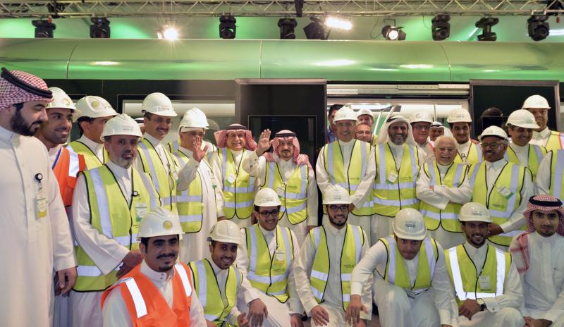 فيصل بن بندر يعلن اكتمال 36 % من قطار الرياض والإنتهاء بعد عامين (168140773) 