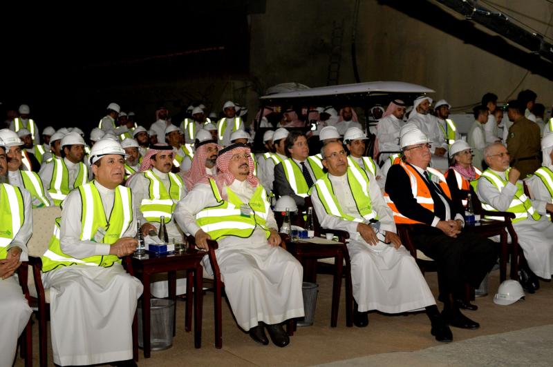 فيصل بن بندر يعلن اكتمال 36 % من قطار الرياض والإنتهاء بعد عامين (168140779) 
