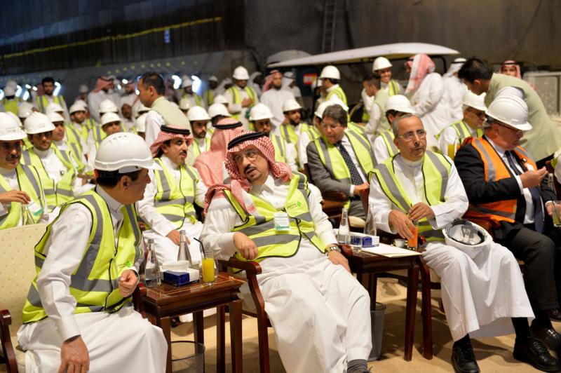 فيصل بن بندر يعلن اكتمال 36 % من قطار الرياض والإنتهاء بعد عامين (168140781) 