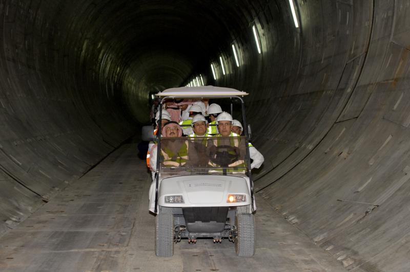 فيصل بن بندر يعلن اكتمال 36 % من قطار الرياض والإنتهاء بعد عامين (168140789) 