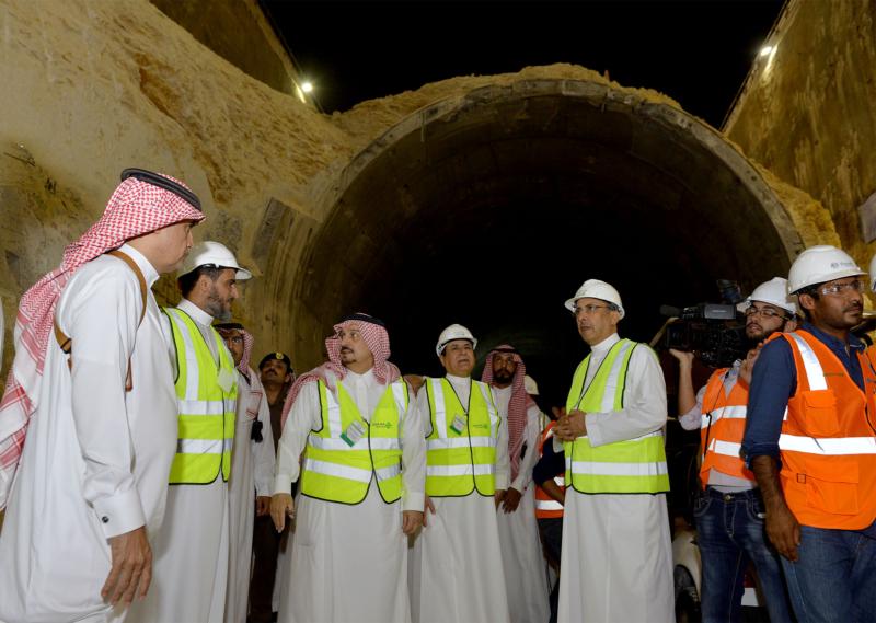 فيصل بن بندر يعلن اكتمال 36 % من قطار الرياض والإنتهاء بعد عامين (168140793) 