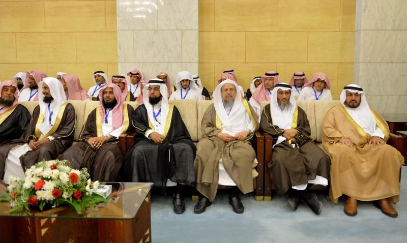 فيصل بن بندر يُكرم الفائزين في مسابقة أمير الرياض للقرآن (373262253) 