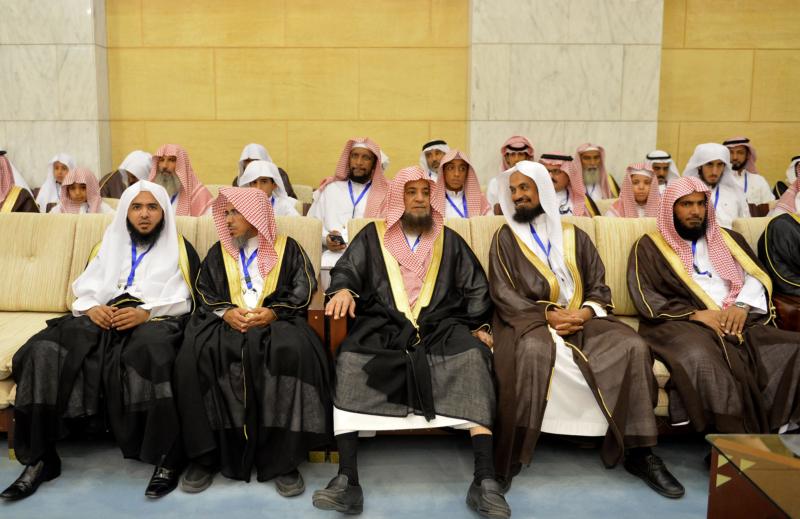 فيصل بن بندر يُكرم الفائزين في مسابقة أمير الرياض للقرآن (373262254) 