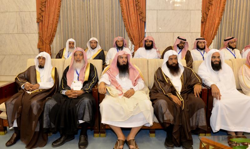 فيصل بن بندر يُكرم الفائزين في مسابقة أمير الرياض للقرآن (373262255) 