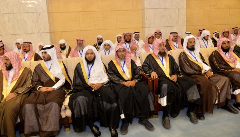 فيصل بن بندر يُكرم الفائزين في مسابقة أمير الرياض للقرآن (373262257) 
