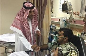 فيصل بن سلمان يزور مُصابي تفْجير المدينة المنورة