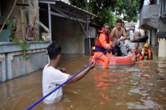إجلاء آلاف السكان ونزوح نحو 6500 شخص بسبب فيضانات جاكرتا - المواطن