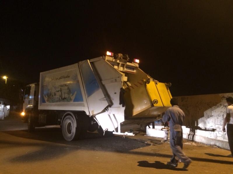في شهر.. إزالة أكثر من 199 طن نفايات بـ #نجران (1)