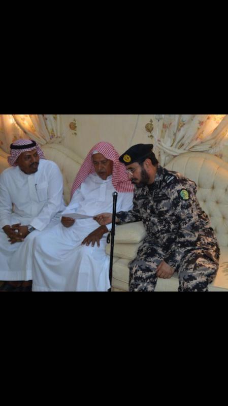 قائد أمن المنشآت يزور أسرة الشهيد الخردلي 3