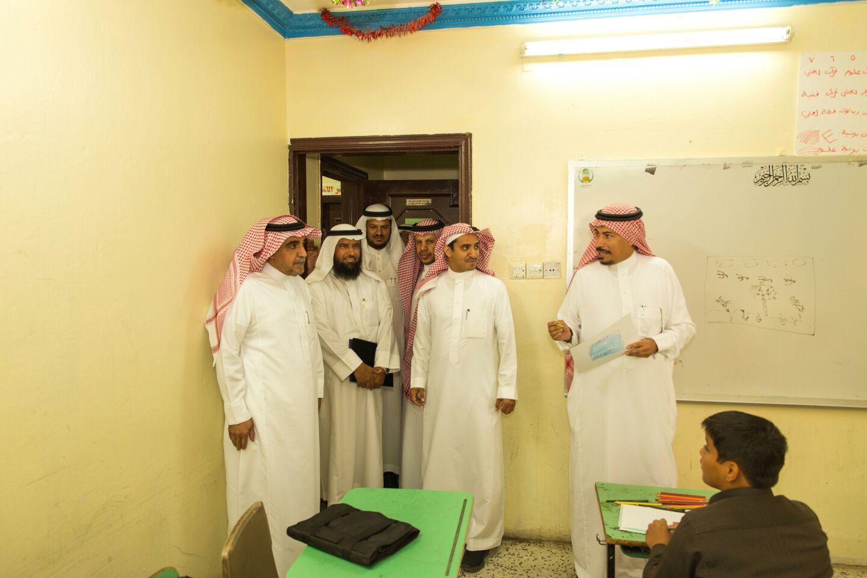 قائد مدرسة خالد الوذيناني يحول مبني مدرسة قديم الي واحة جاذبة للطلاب (3)