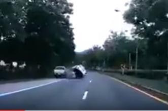 قائد مركبة حادث