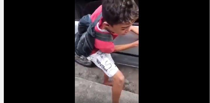 قائد مركبة يعاقب طفل
