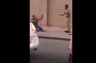 بالفيديو.. لحظة القبض على قاتل زوجته أمام طفليها بالكويت في حالة هيستيرية - المواطن