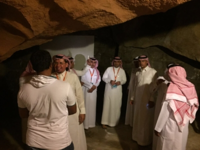 قافلة الإعلام السياحي تقف على الأماكن التاريخية والتراثية بالباحة (34669066) 