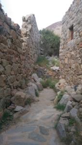 قافلة الإعلام السياحي تقف على الأماكن التاريخية والتراثية بالباحة (34669080) 