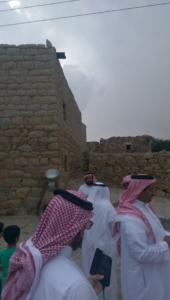 قافلة الإعلام السياحي تقف على الأماكن التاريخية والتراثية بالباحة (34669081) 