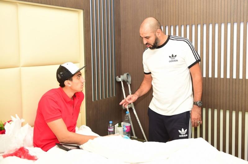 قام المشرف العام على الفريق حسام أبوداود برفقة مدرب الحراس مسعود بزيارة الحارس راغد نجار في مجمع سبيتار الطبي2