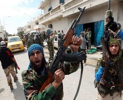 قتال عنيف بين مليشيات بالعاصمة الليبية