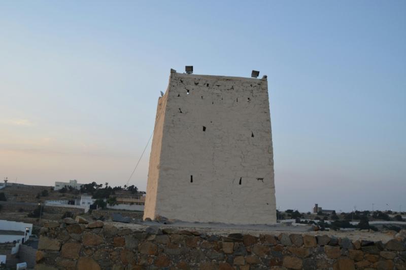 قرية آل عليان الأثرية.. مقبرة عكس اتجاه القبلة ومنازل أثرية (210696103) 