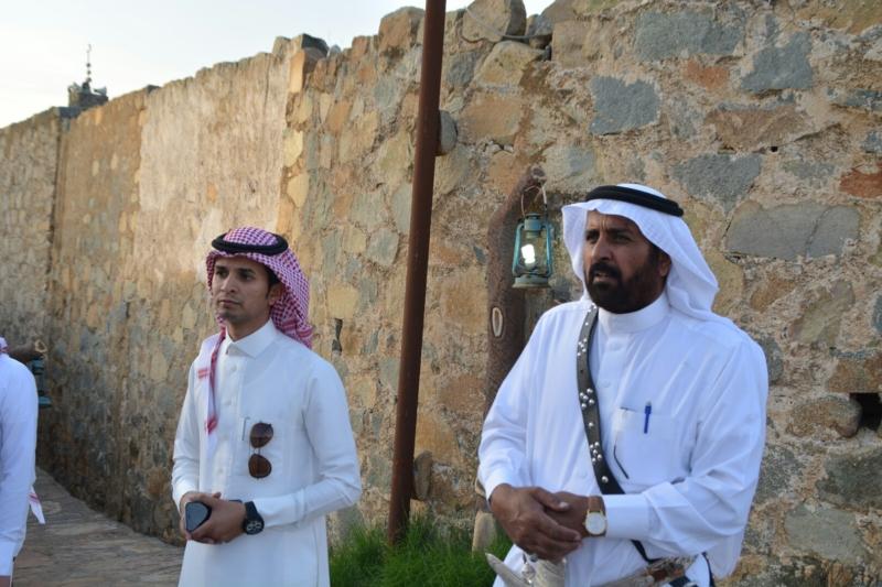 قرية آل عليان الأثرية.. مقبرة عكس اتجاه القبلة ومنازل أثرية (210696113) 