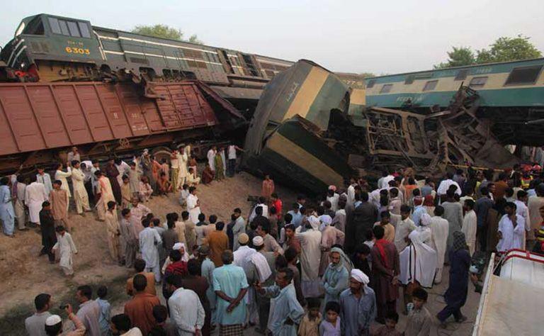 قطارين باكستان