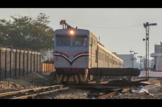 حادث مروع.. طلب منه الجلوس بجانب نافذة القطار فرفض فألقاه منه! - المواطن